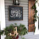 Beautiful Christmas Porch Decorating Ideas 21