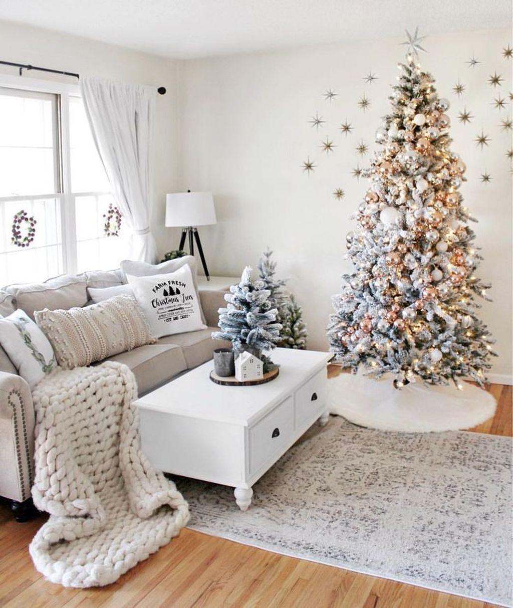 Beautiful Winter Apartment Decor Ideas 12