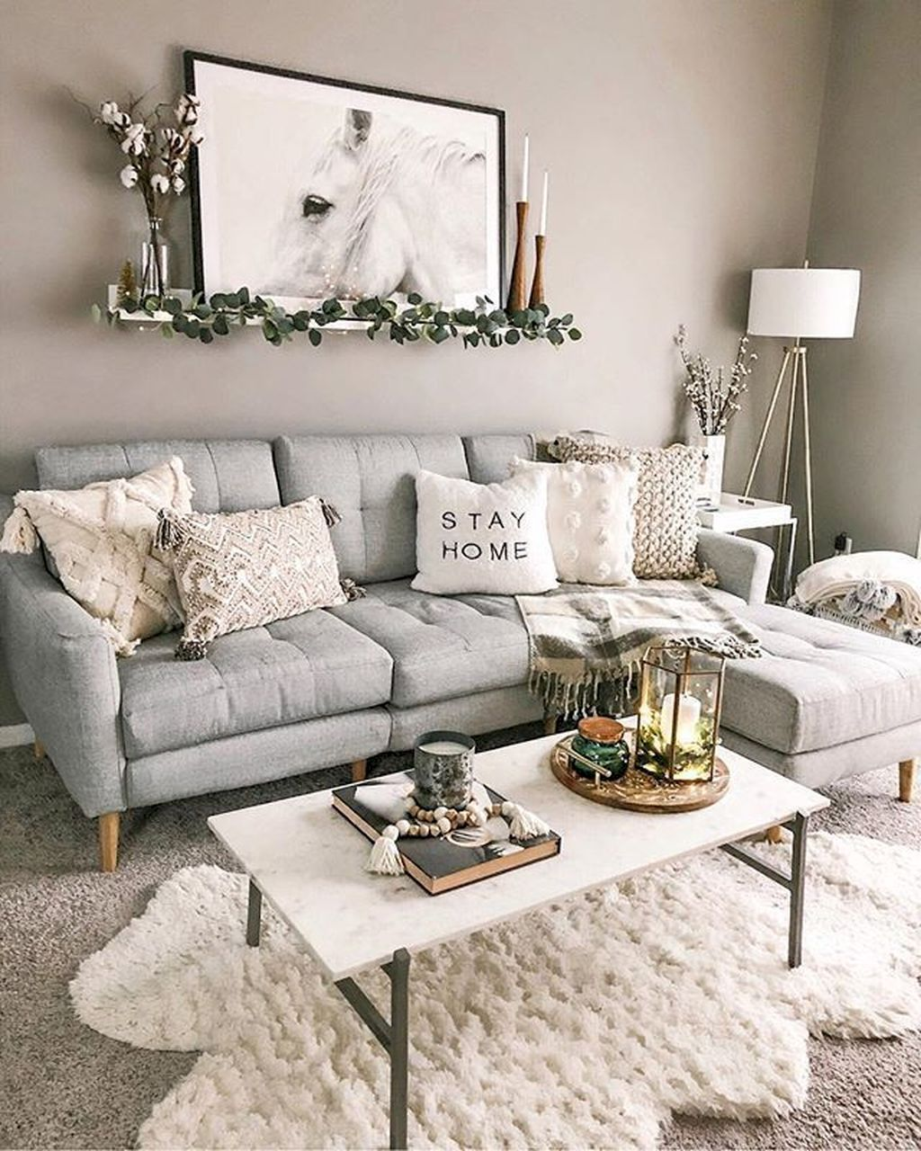 Beautiful Winter Apartment Decor Ideas 22