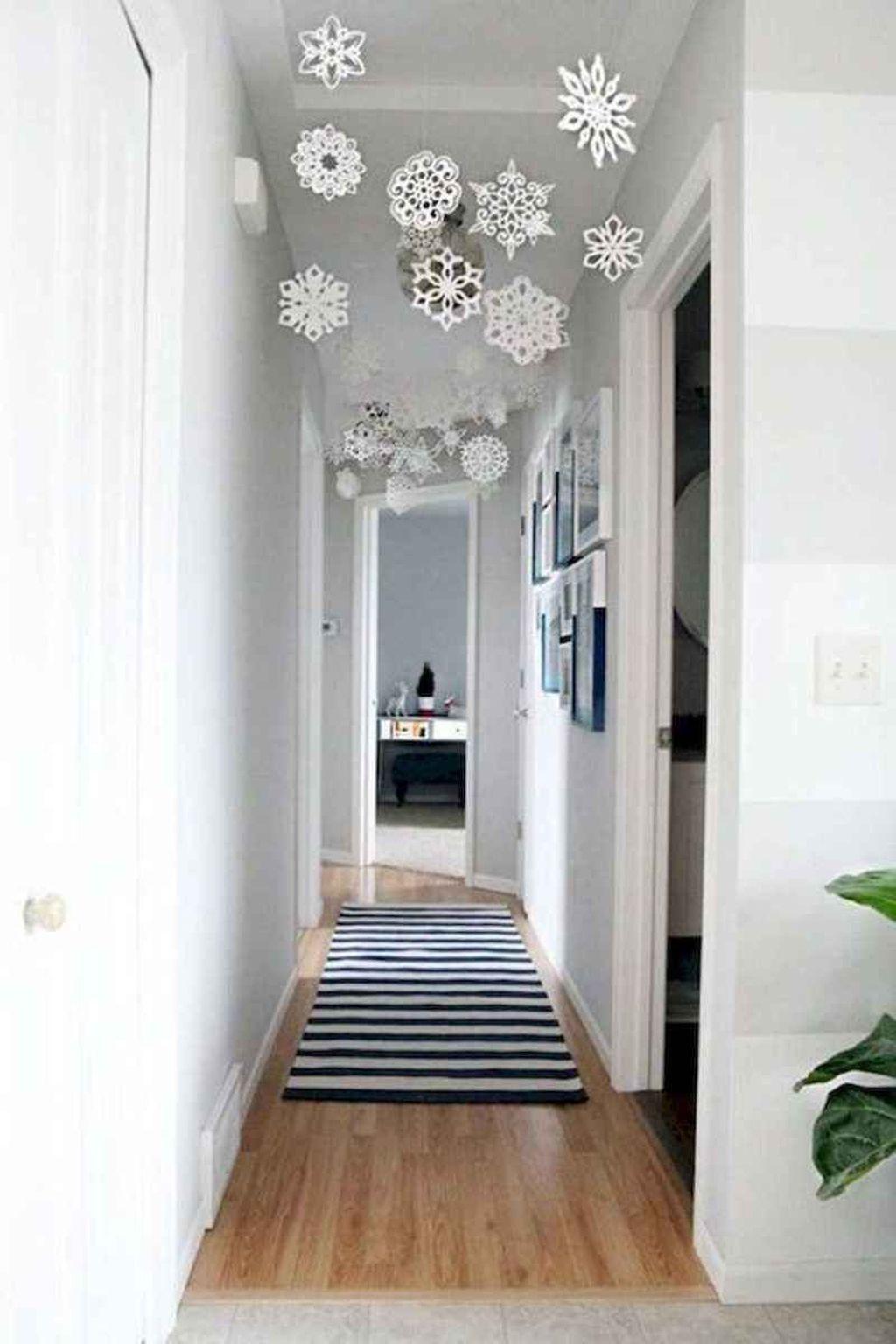 Beautiful Winter Apartment Decor Ideas 24