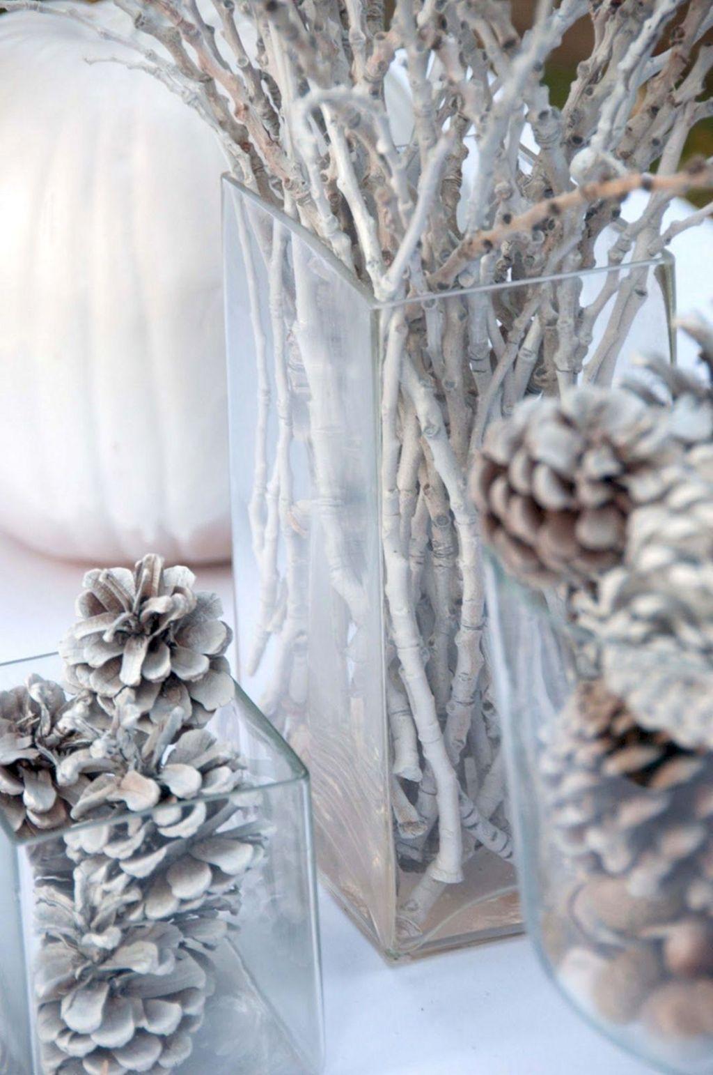 Nice Winter Table Centerpieces Decoration Ideas 15