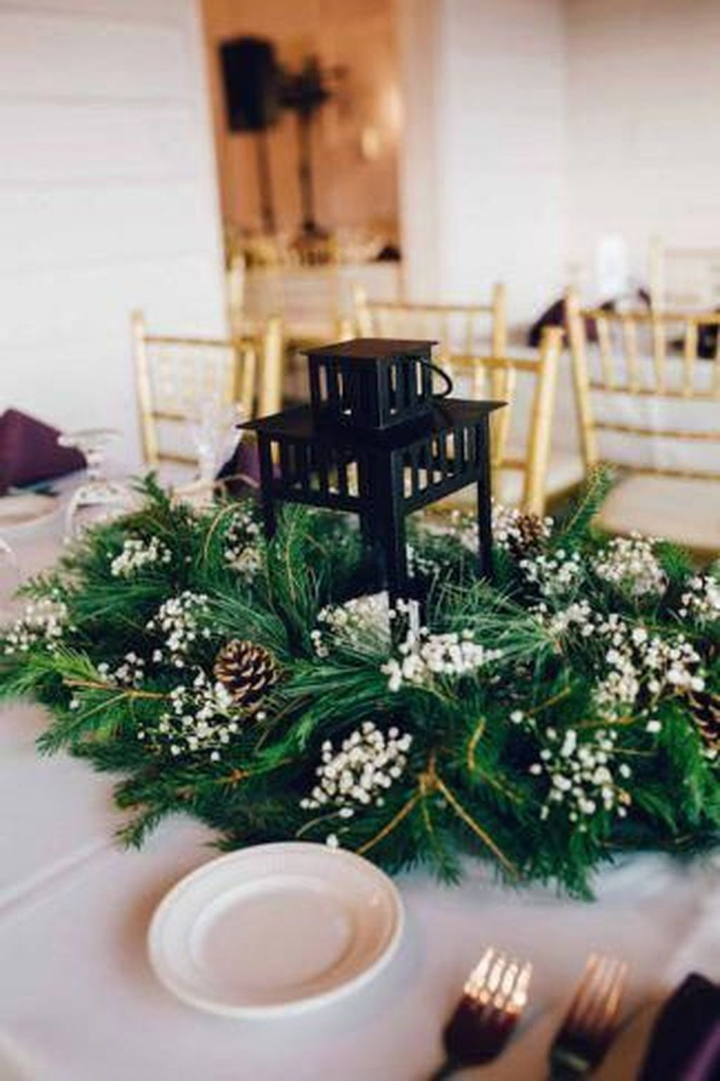 Nice Winter Table Centerpieces Decoration Ideas 18