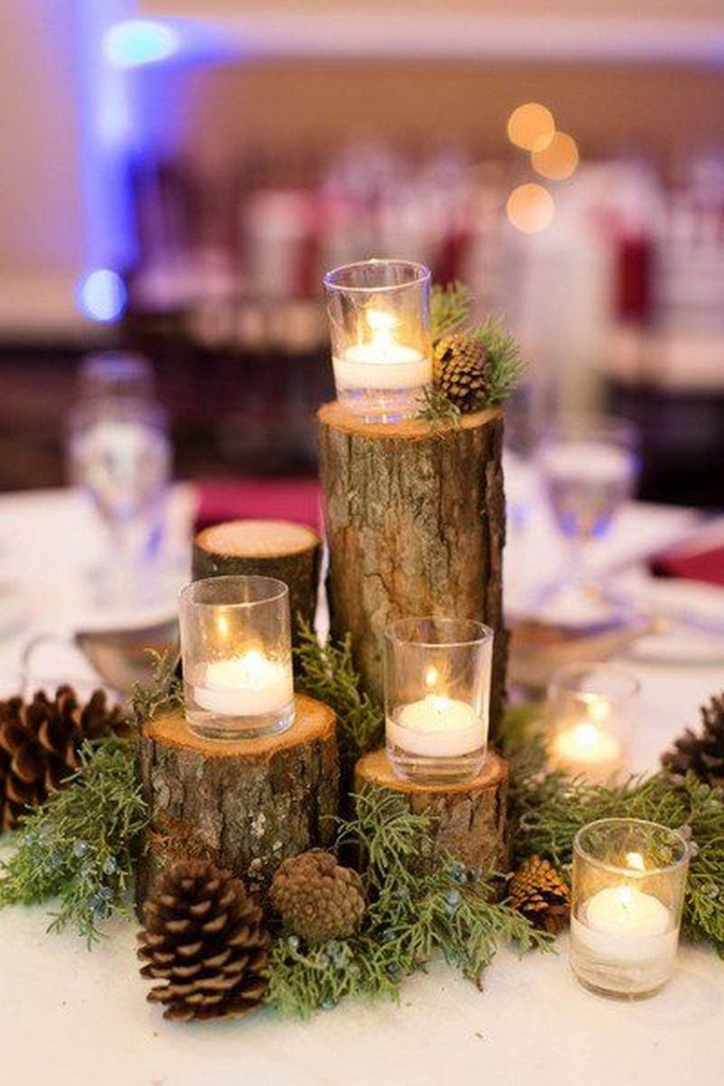 Nice Winter Table Centerpieces Decoration Ideas 27