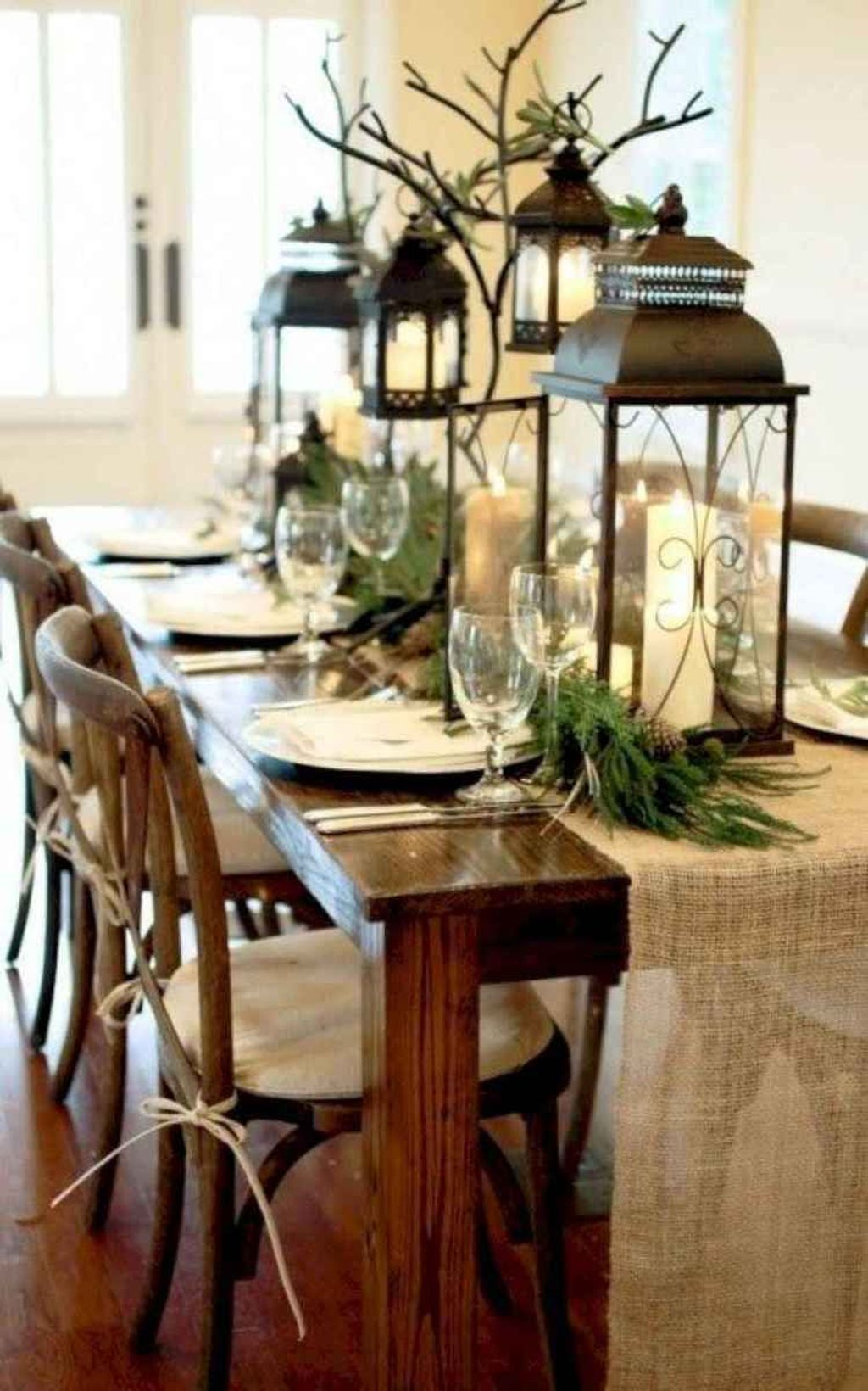 Nice Winter Table Centerpieces Decoration Ideas 28