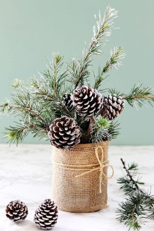 Nice Winter Table Centerpieces Decoration Ideas 30