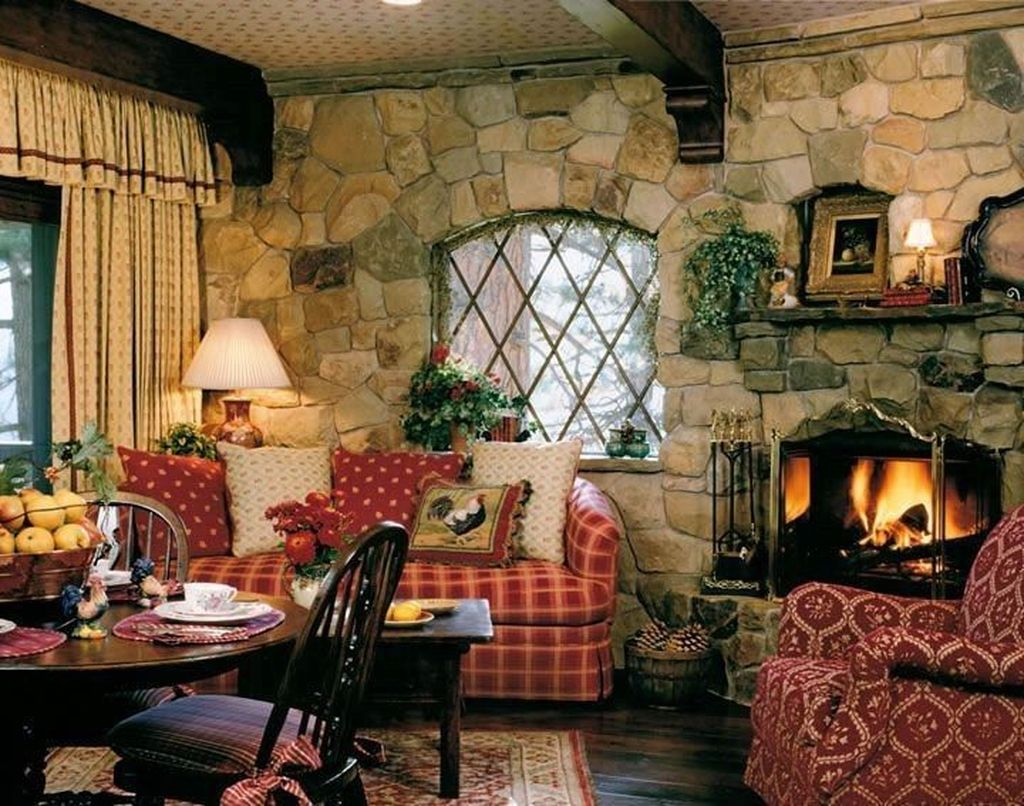 Amazing Small Cottage Interiors Decor Ideas 29