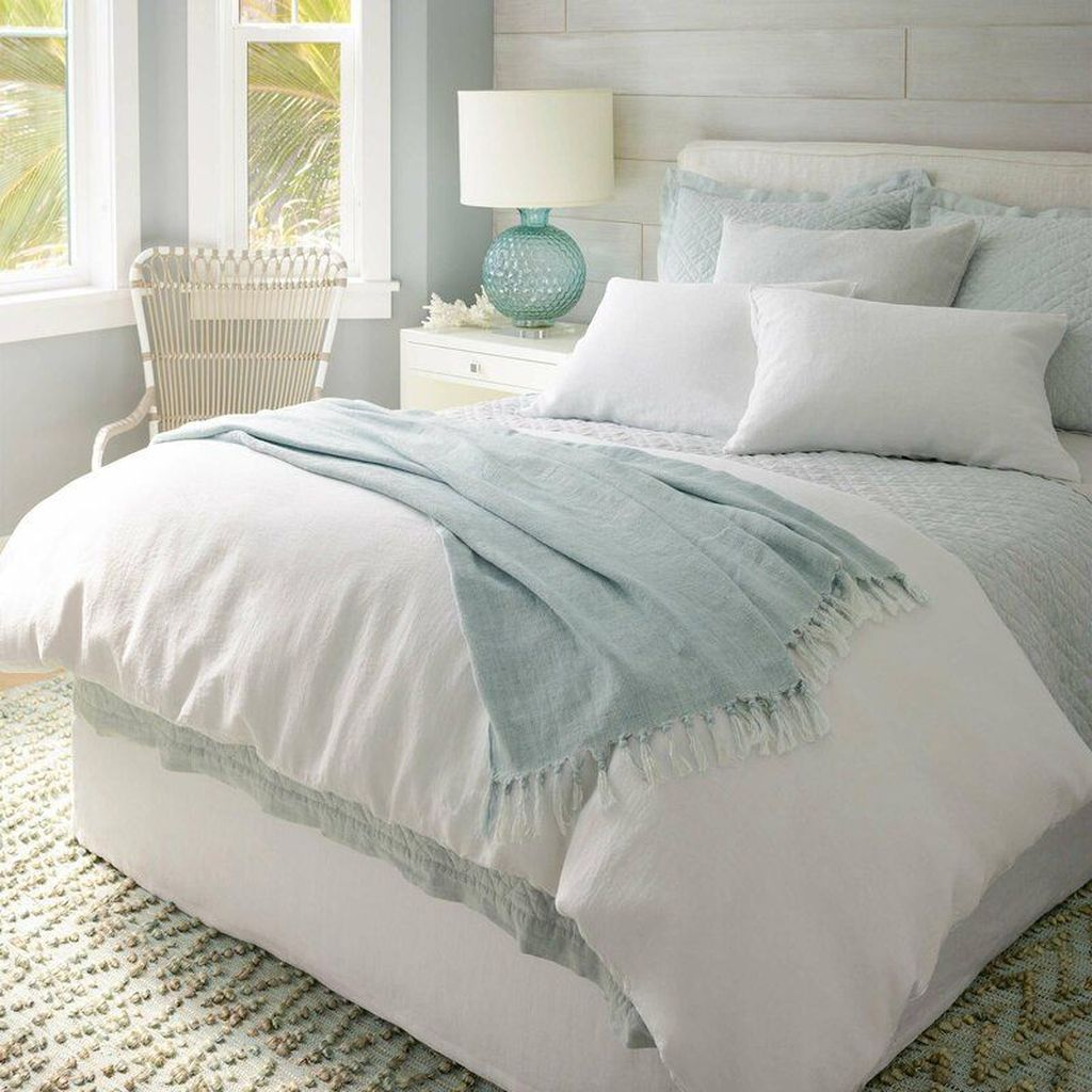 Awesome Cottage Bedroom Decoration Ideas 07