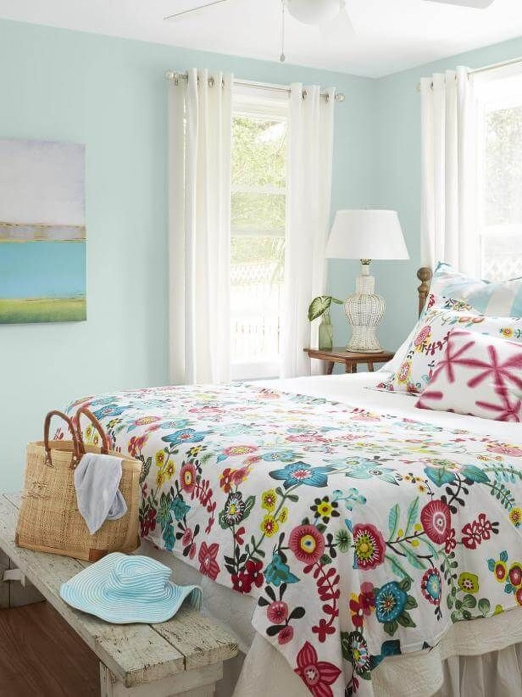 Awesome Cottage Bedroom Decoration Ideas 18