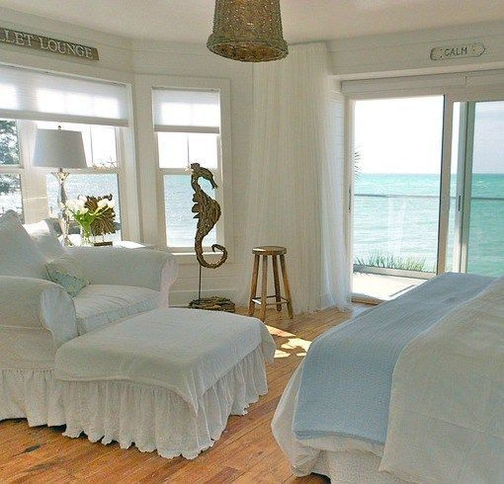 Awesome Cottage Bedroom Decoration Ideas 34