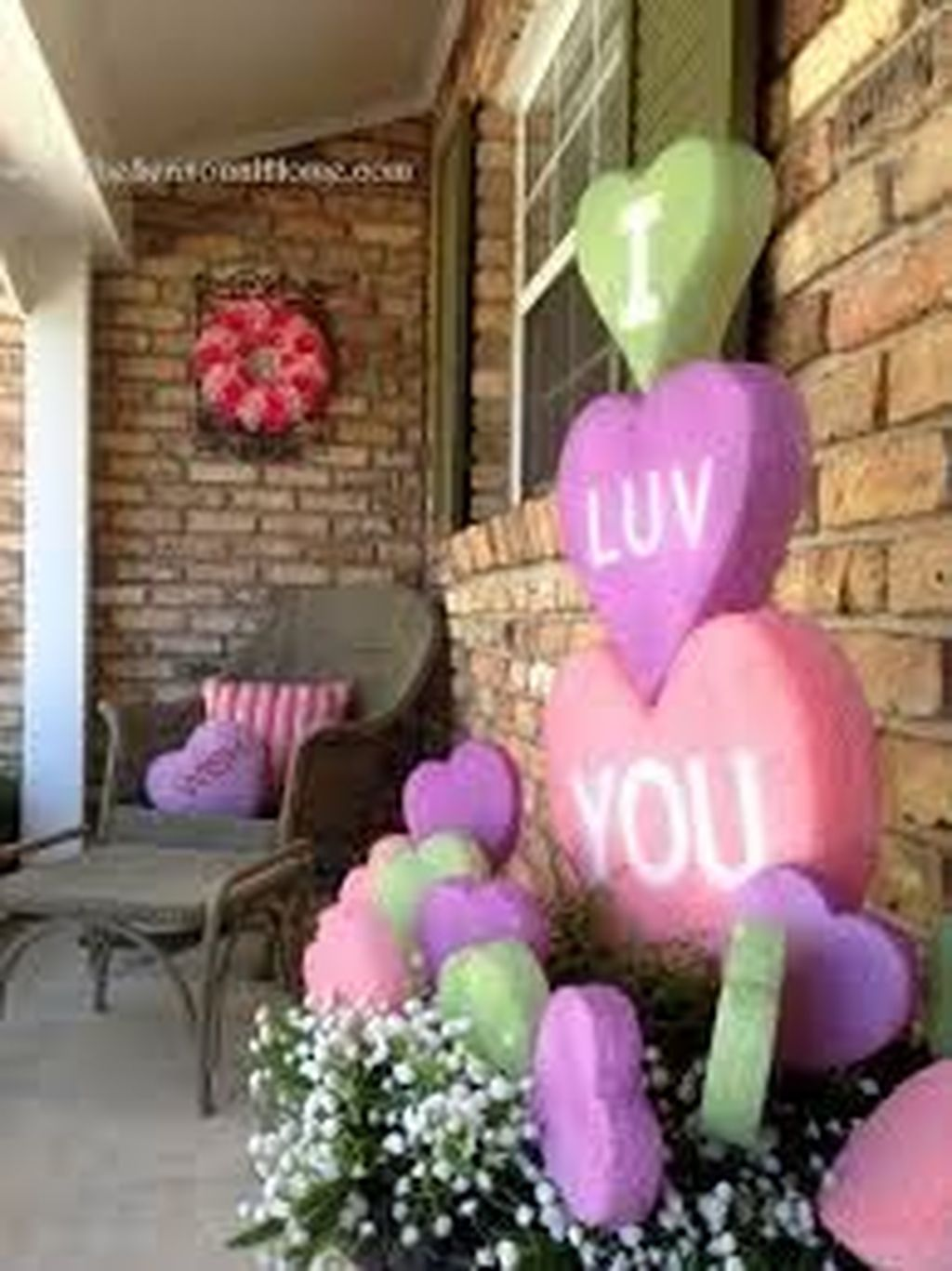 Awesome Valentines Day Porch Decor Ideas Which You Definitely Like 24