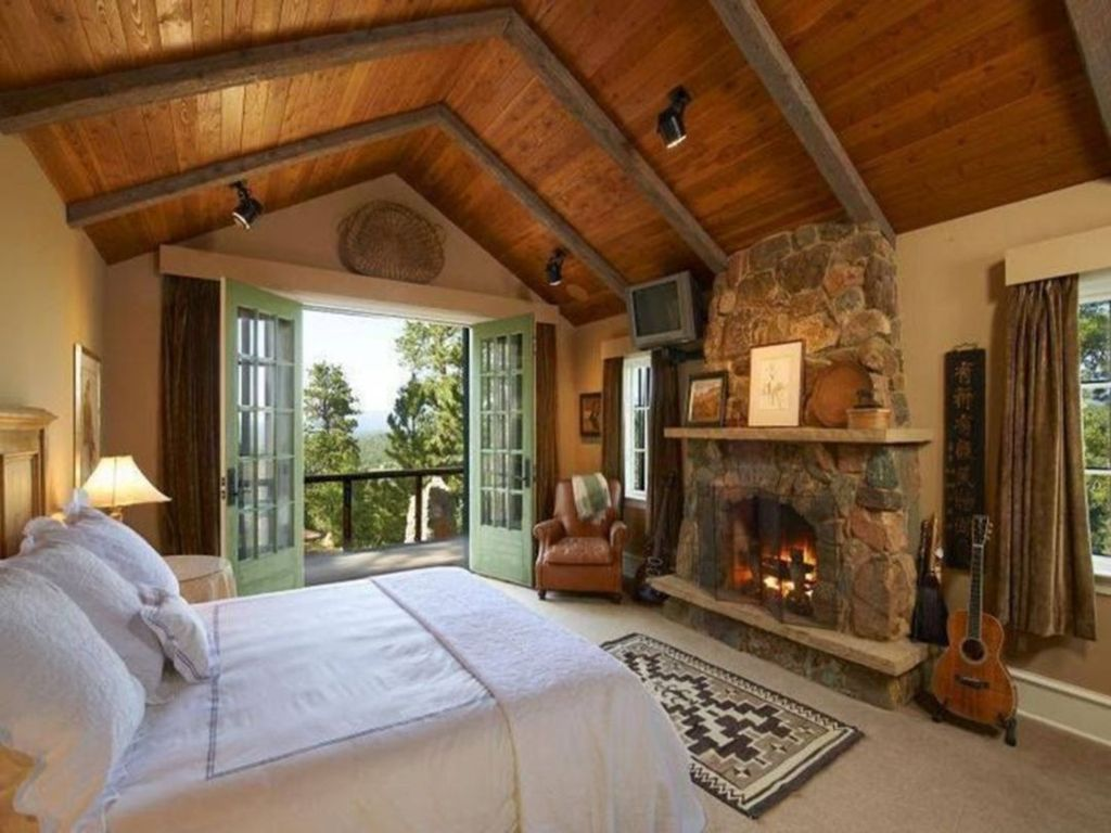 Gorgeous Rustic Bedroom Design And Decoration Ideas 22
