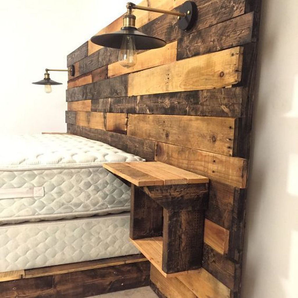 Gorgeous Rustic Bedroom Design And Decoration Ideas 23