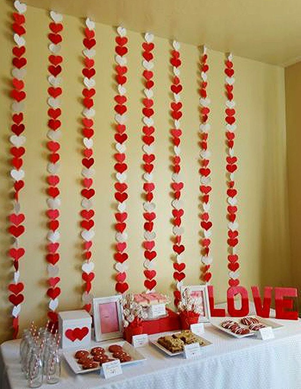 Gorgeous Valentine Wall Decor To Beautify Your Home 03