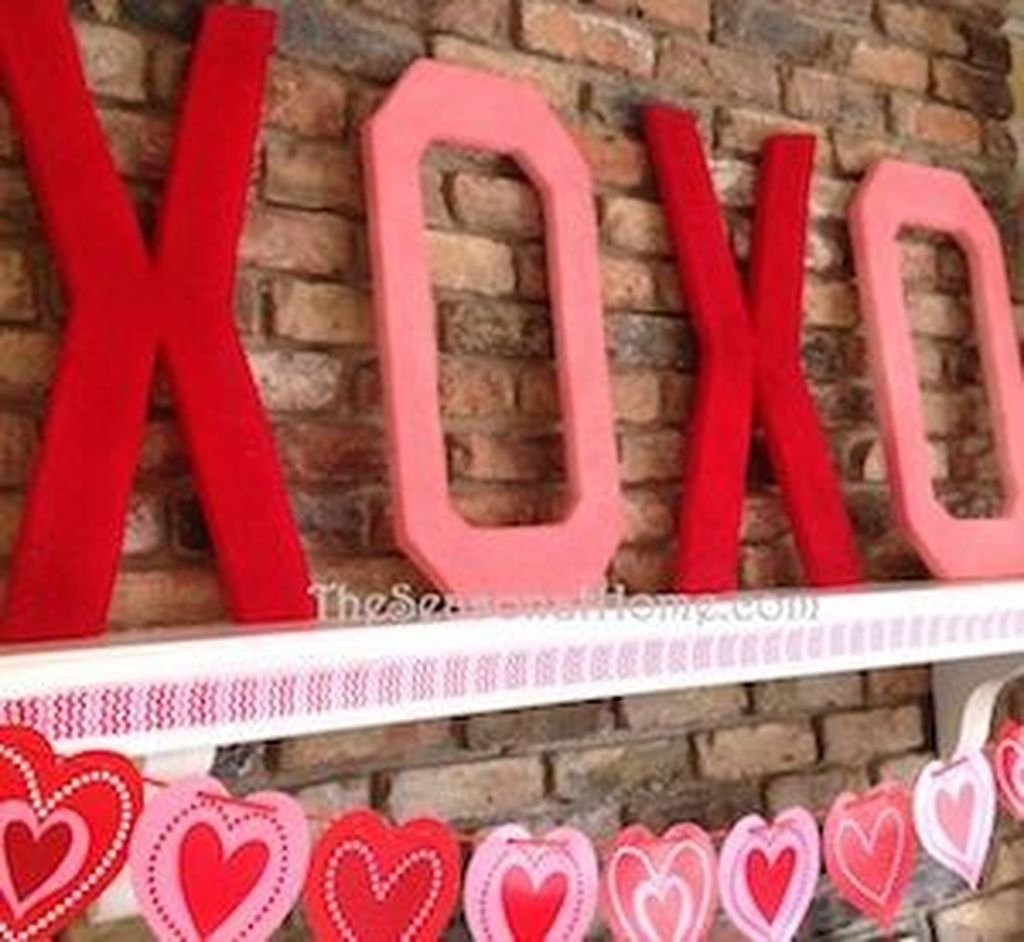 Gorgeous Valentine Wall Decor To Beautify Your Home 14