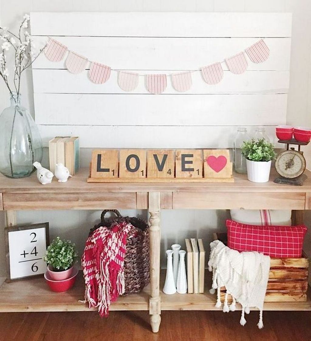 Gorgeous Valentine Wall Decor To Beautify Your Home 24