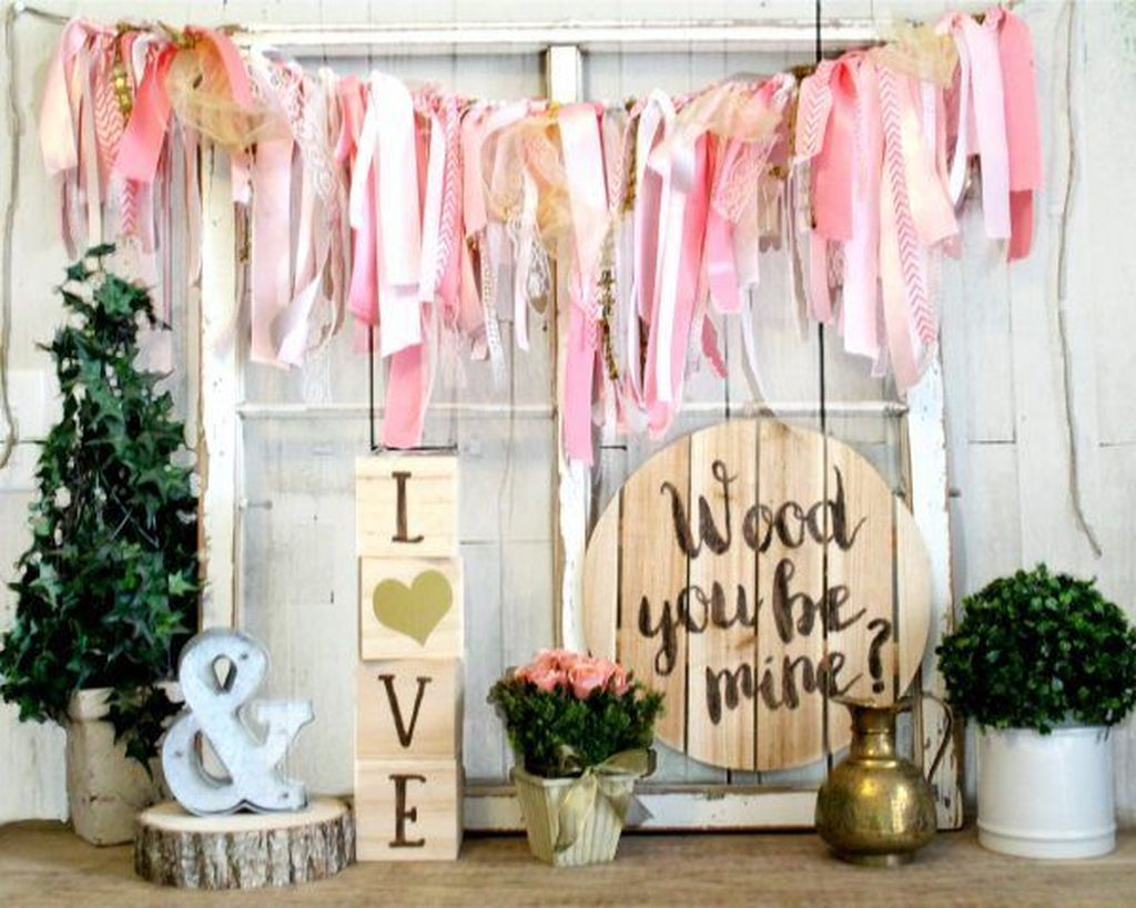 Gorgeous Valentine Wall Decor To Beautify Your Home 31