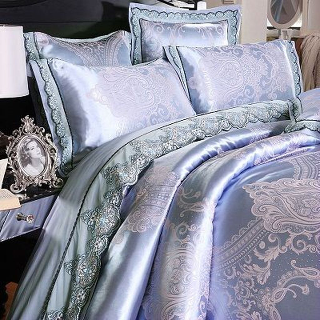 Inspiring Bedding Sets For Perfect Bedroom Decorations 26