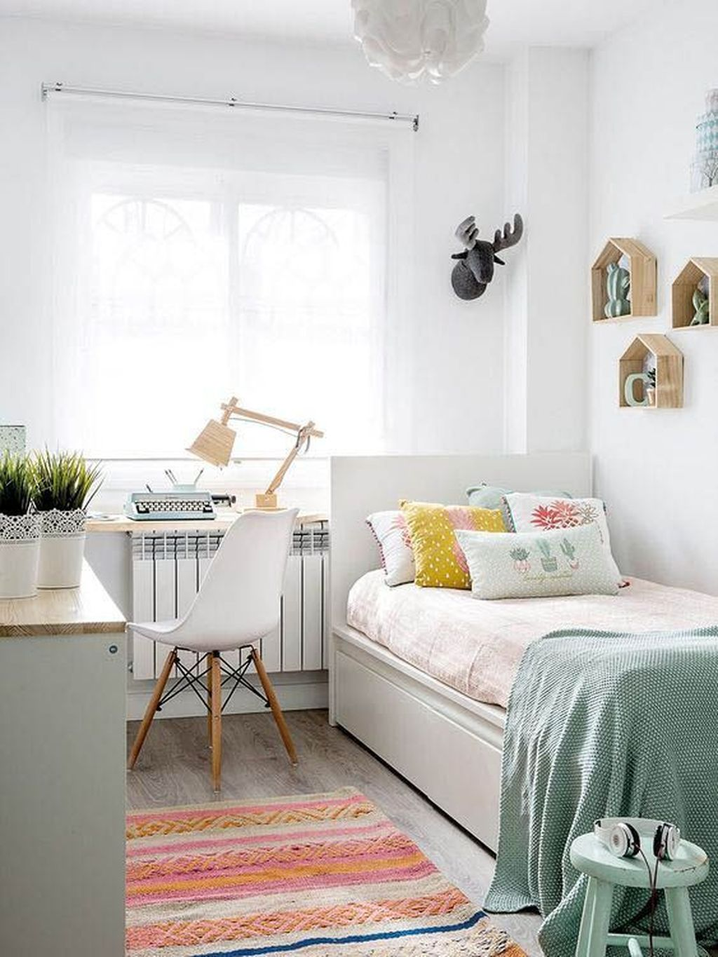 Inspiring Small Bedroom Ideas Which You Definitely Like 06