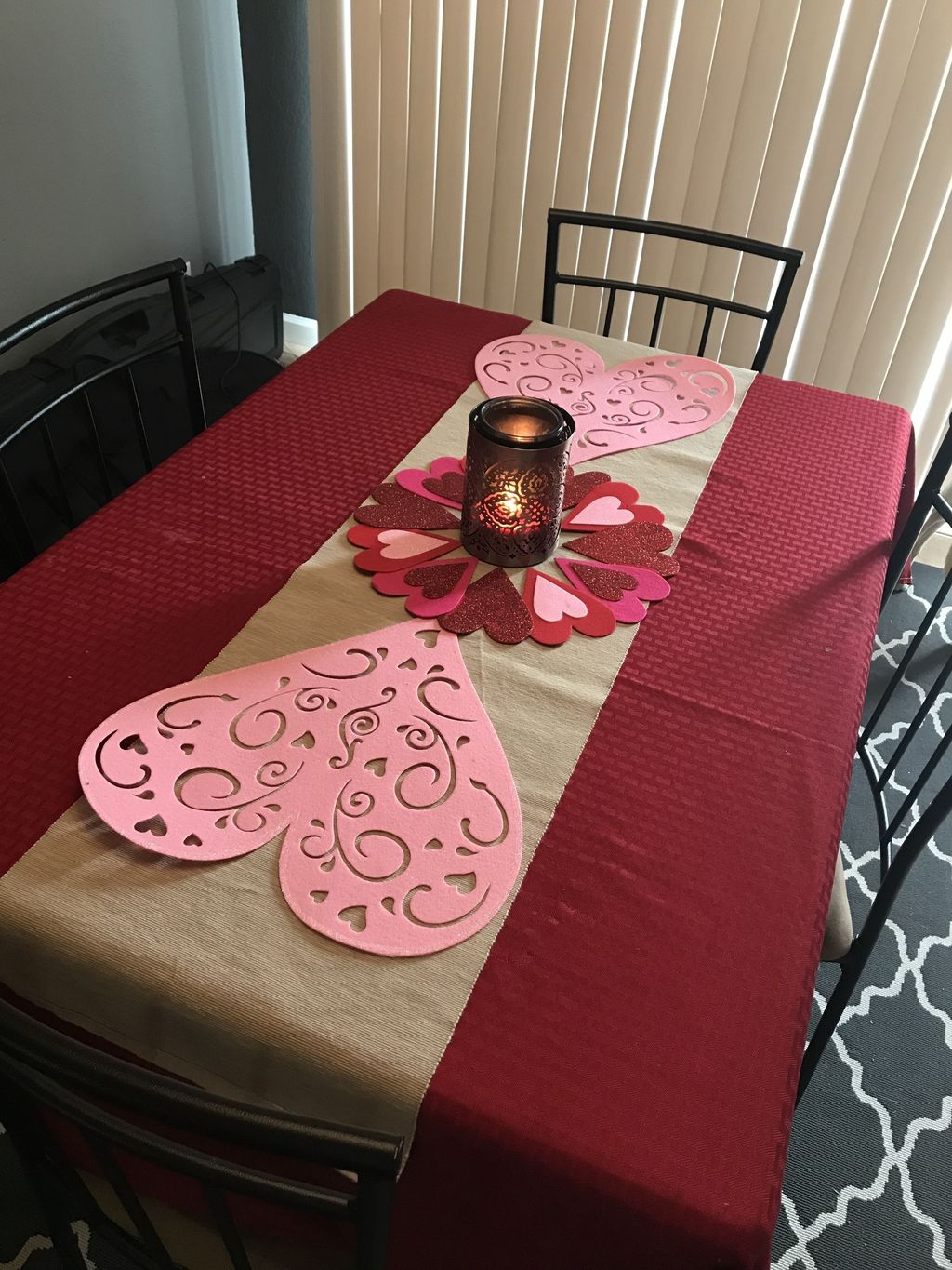 Lovely Valentine Table Decor That You Must Apply In The Dining Room 06