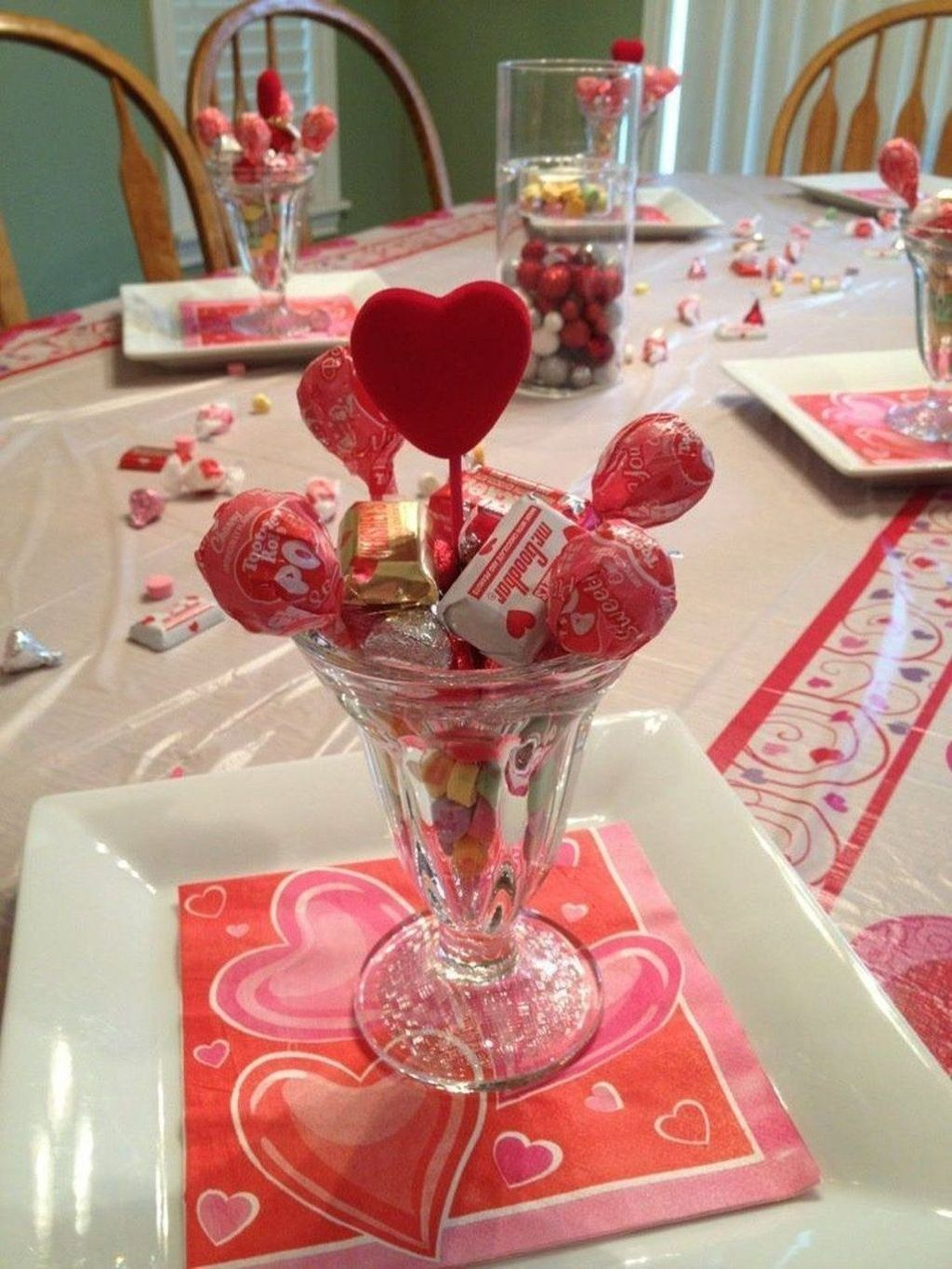 Lovely Valentine Table Decor That You Must Apply In The Dining Room 21