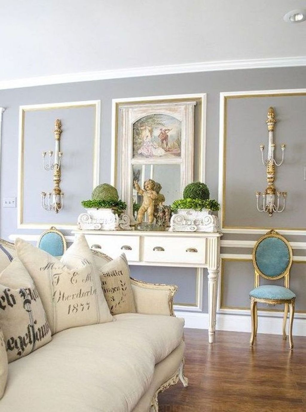 Popular French Country Living Room Decoration Ideas 10