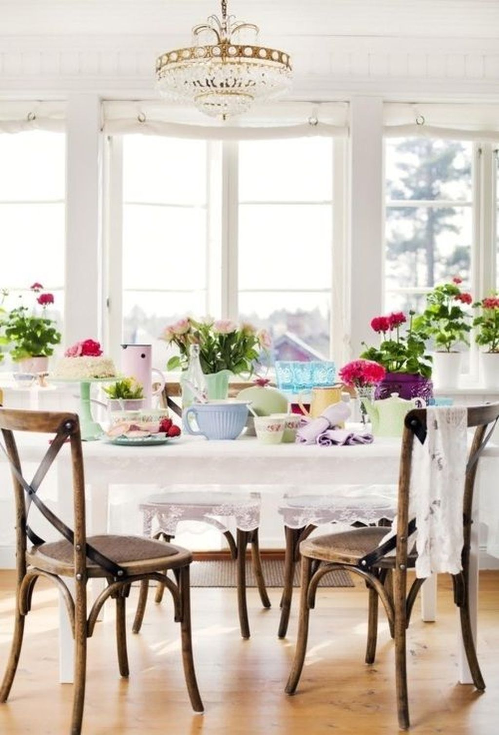 Stunning Romantic Dining Room Decor Ideas Best For Valentines Day 32