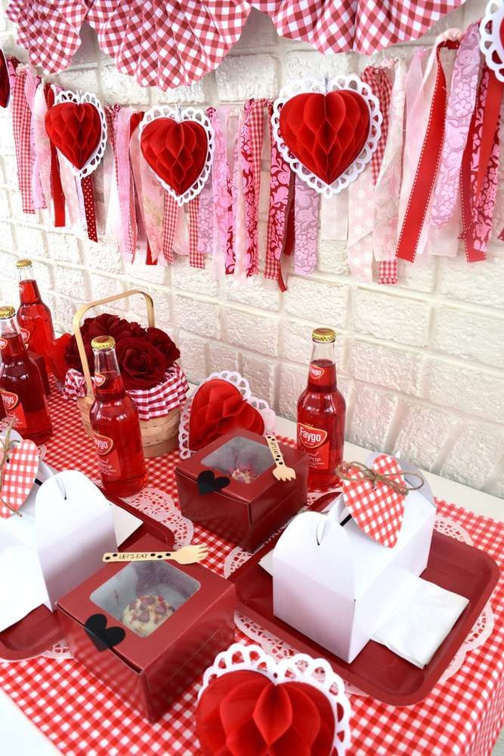 Stunning Valentine Theme Party With A Romantic Feel 13