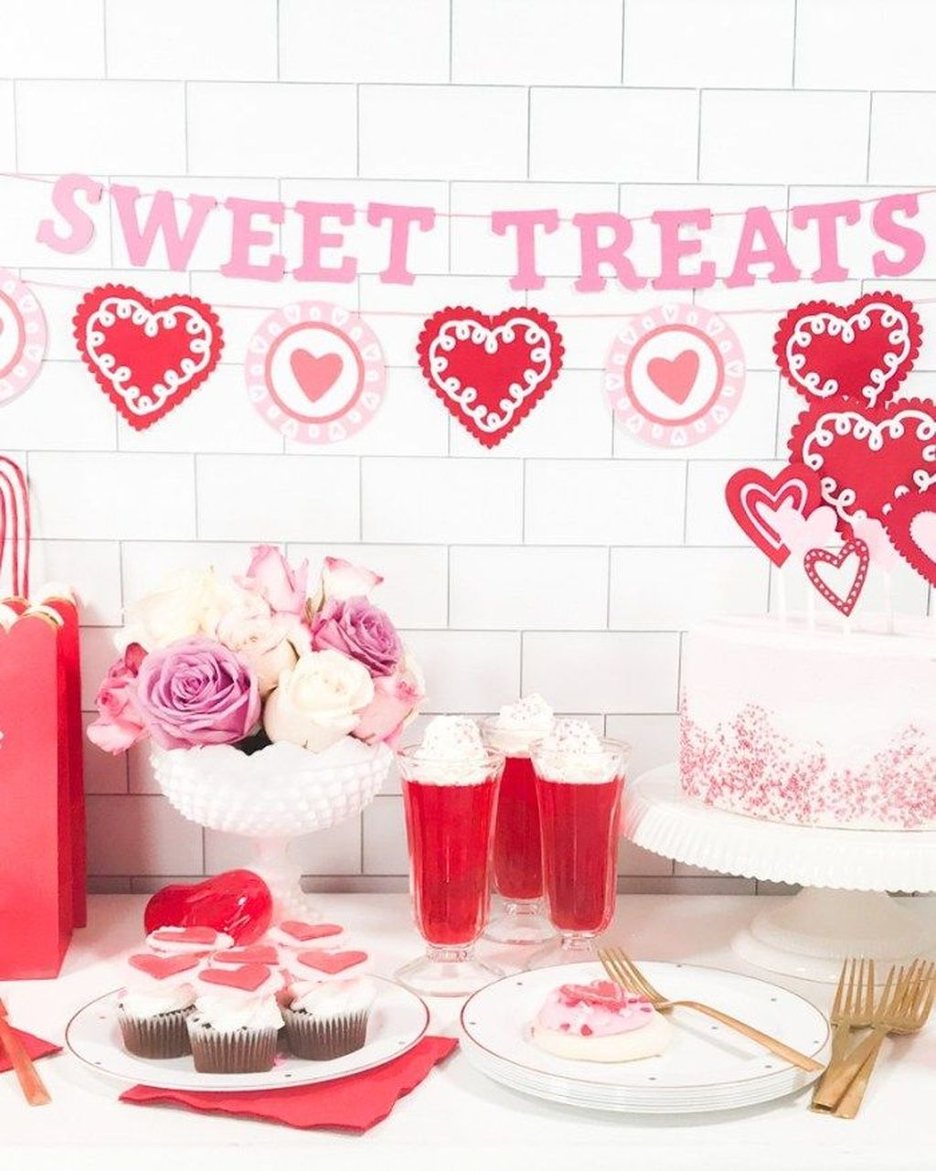 Stunning Valentine Theme Party With A Romantic Feel 16
