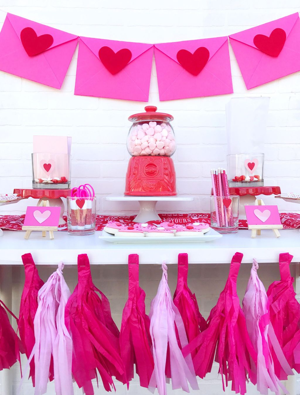 Stunning Valentine Theme Party With A Romantic Feel 24