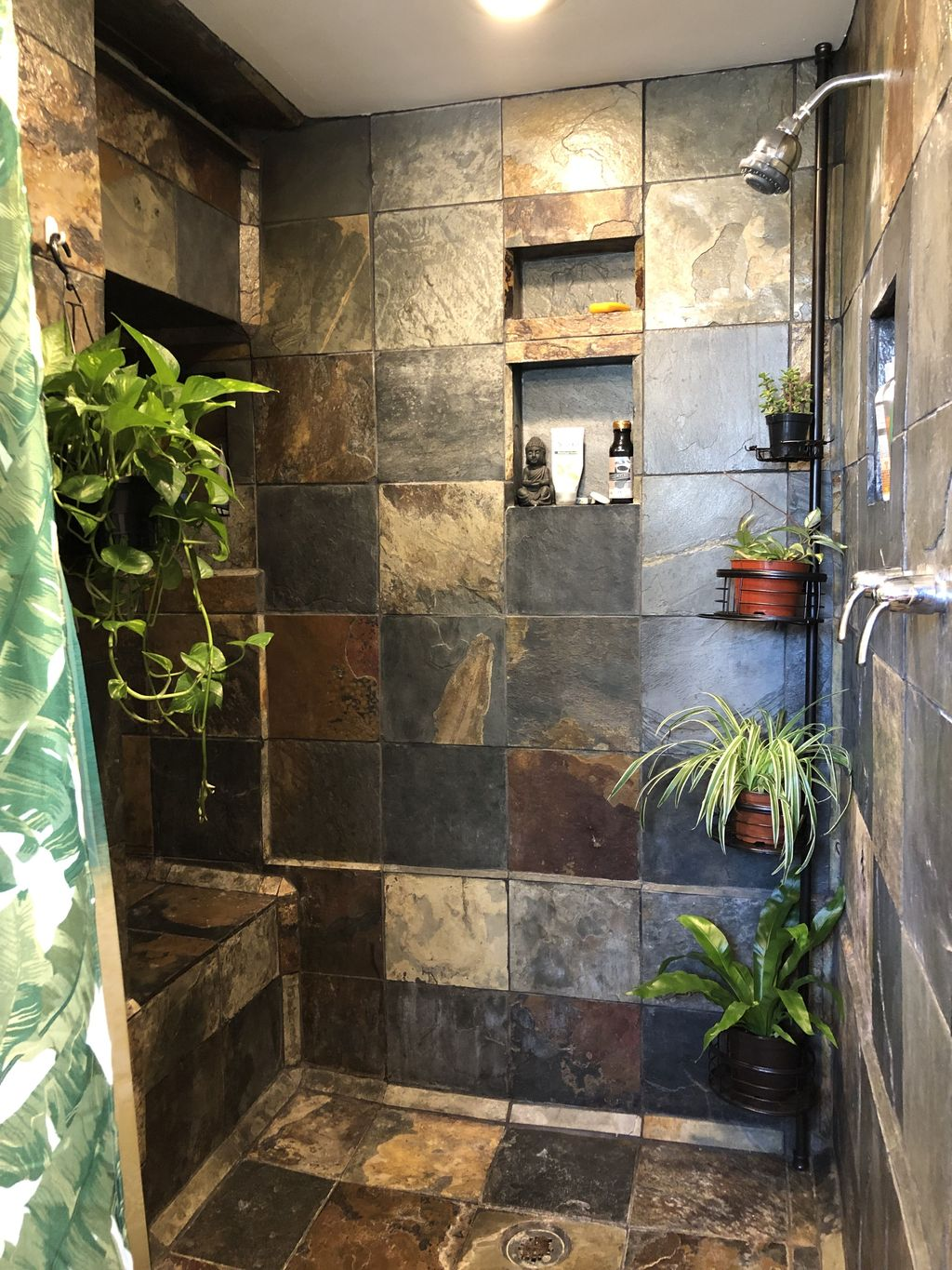 The Best Jungle Bathroom Decor Ideas To Get A Natural Impression 03