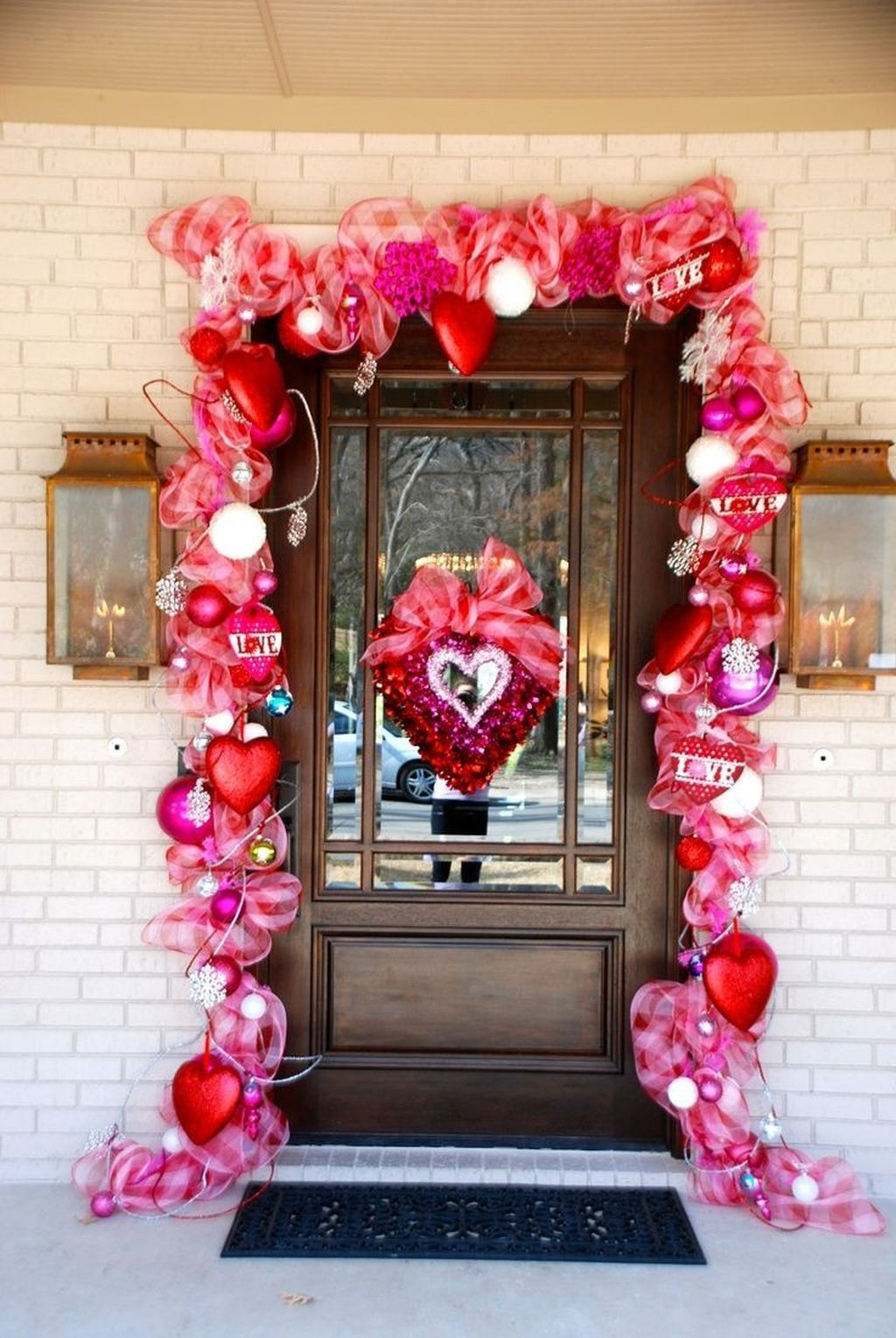 The Best Valentine Door Decorations 19