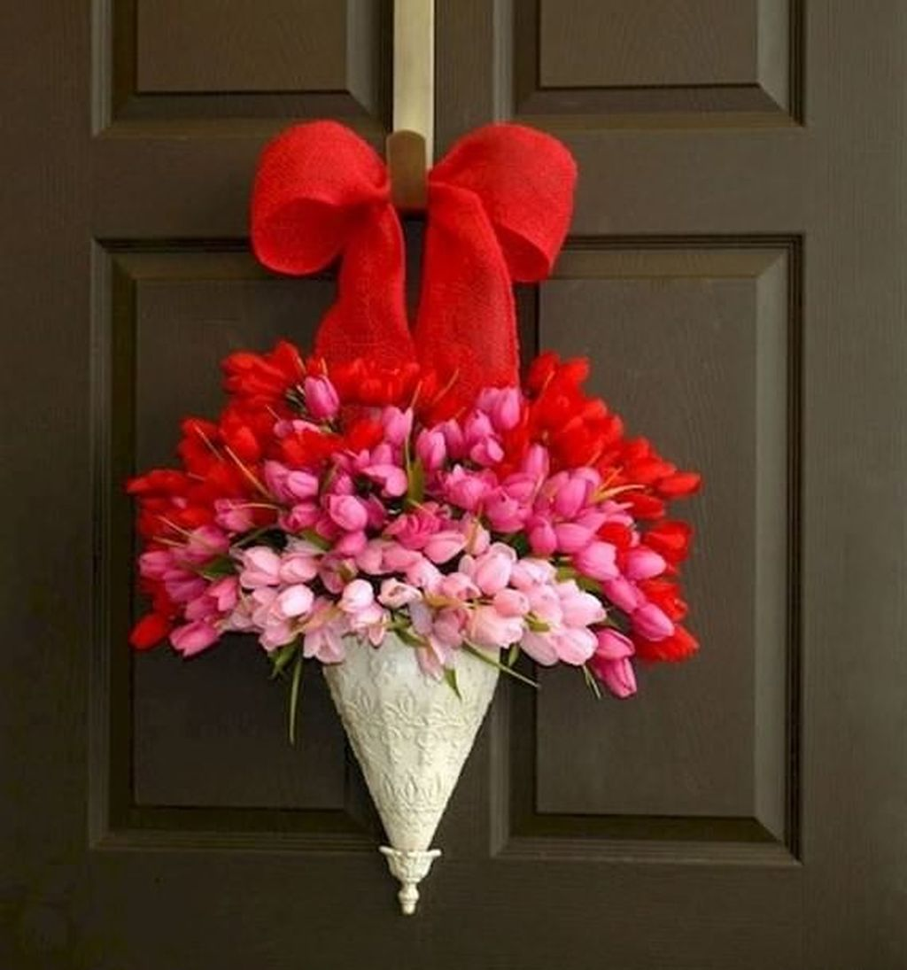 The Best Valentine Door Decorations 26