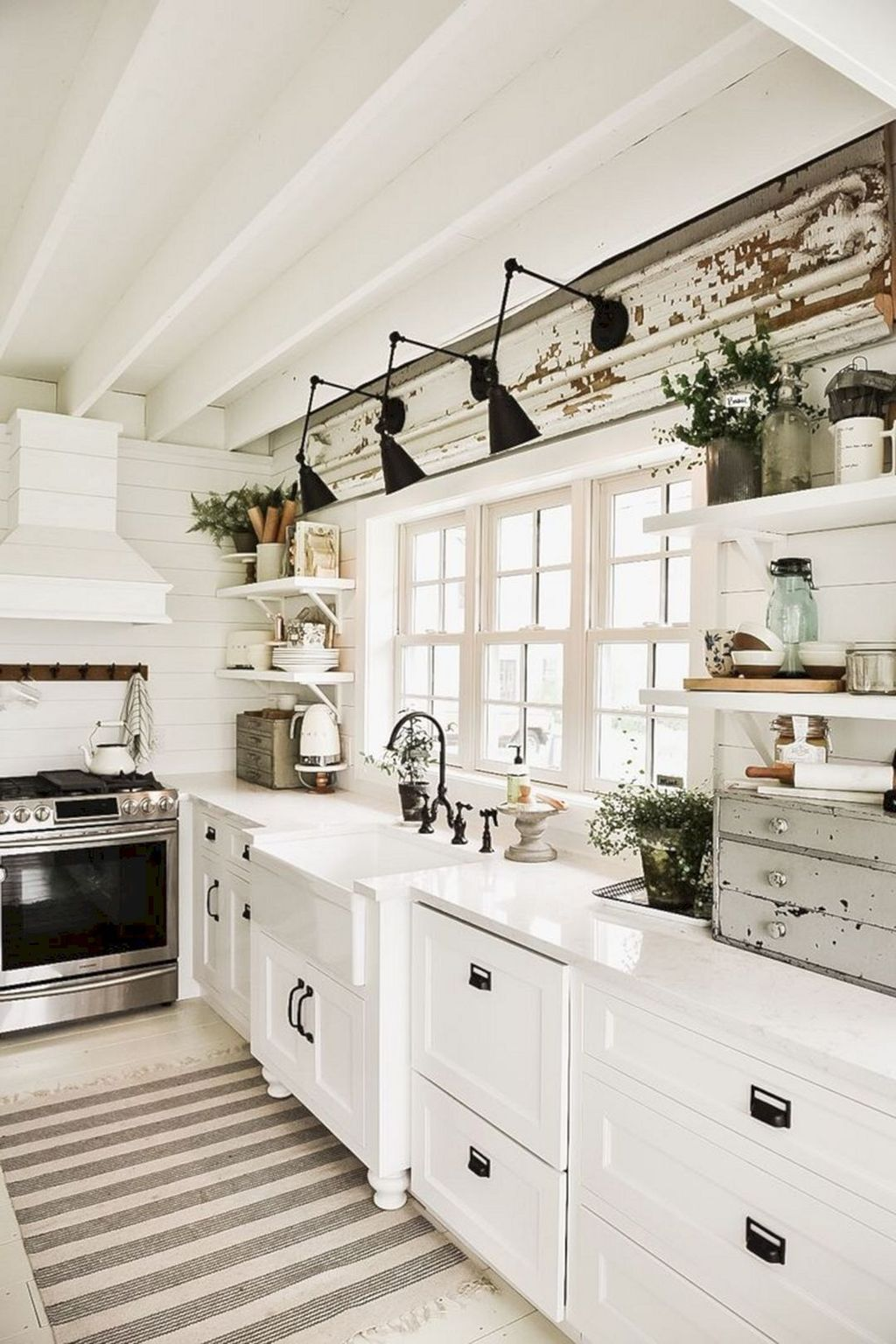 Great Ideas For Modern Farmhouse Kitchen Decorations 16