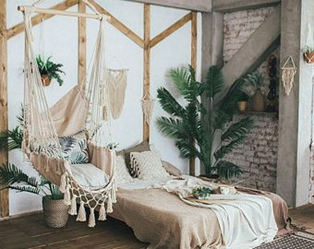 Lovely Attic Bedroom Ideas With Bohemian Style 14