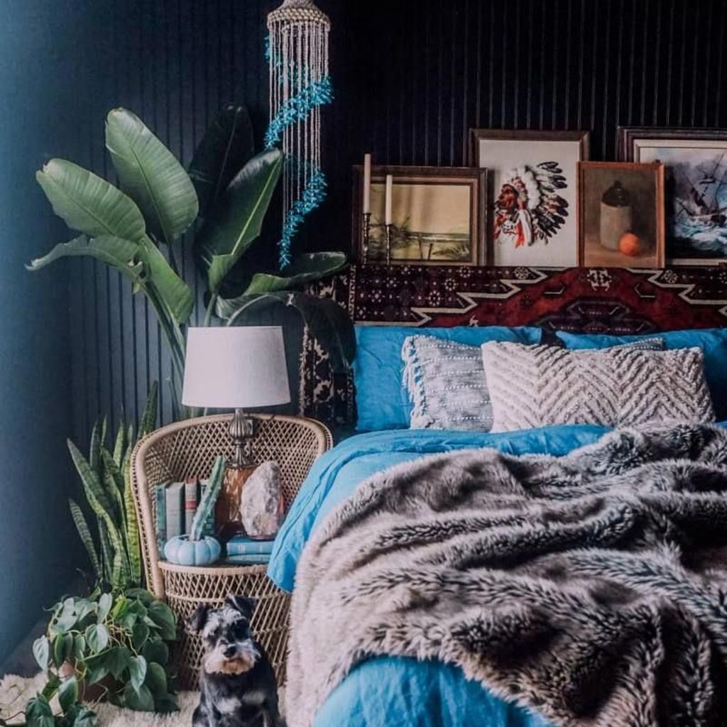 Lovely Attic Bedroom Ideas With Bohemian Style 19