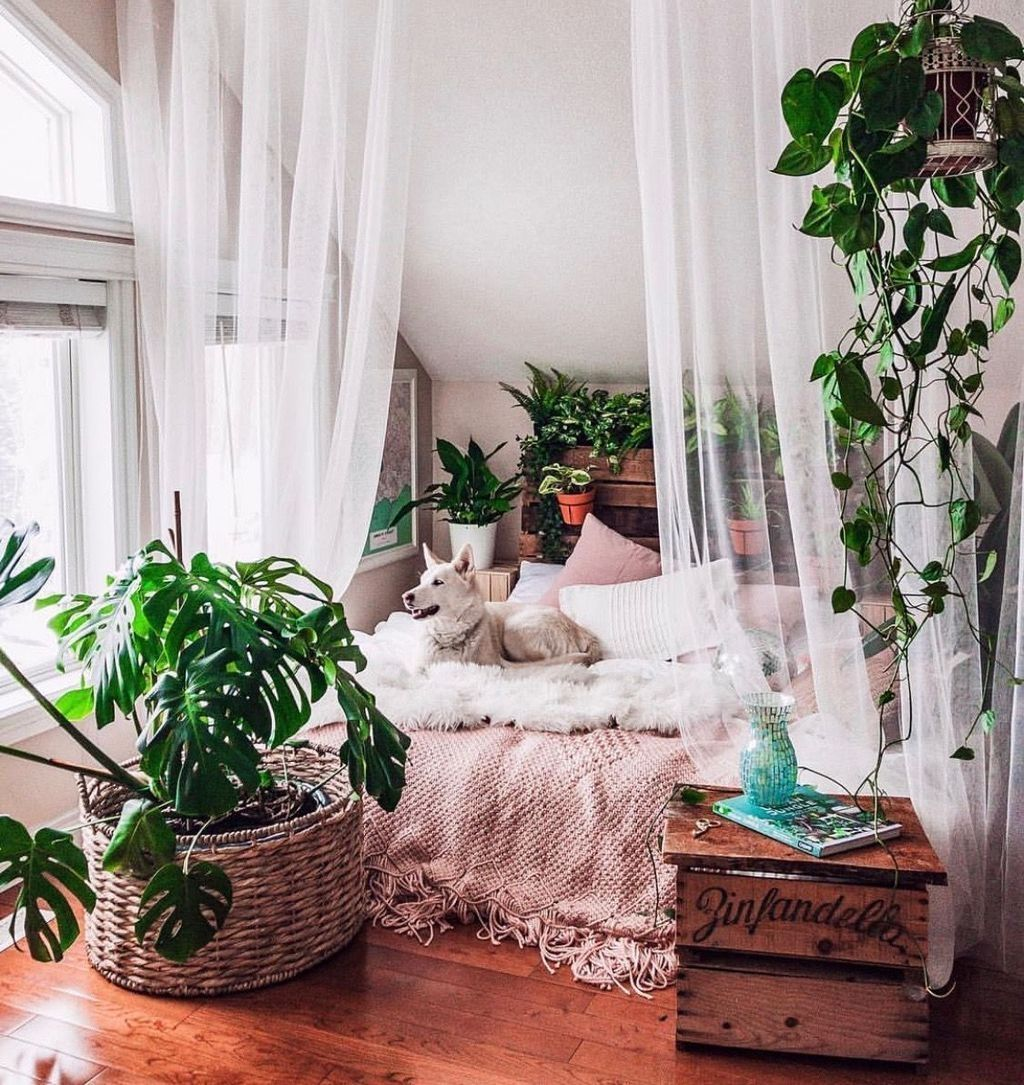 Lovely Attic Bedroom Ideas With Bohemian Style 24