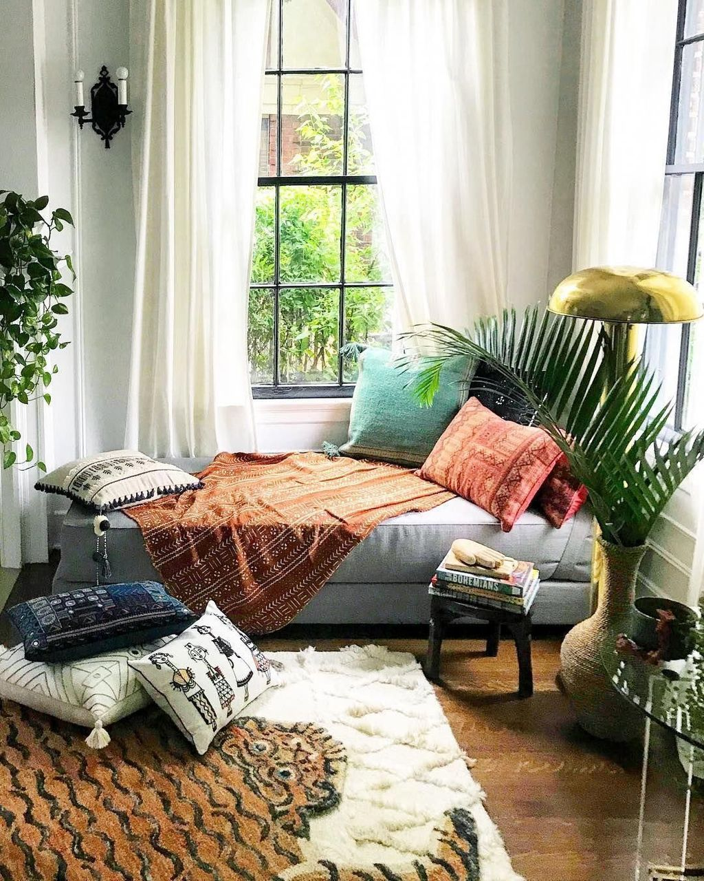 Lovely Attic Bedroom Ideas With Bohemian Style 29