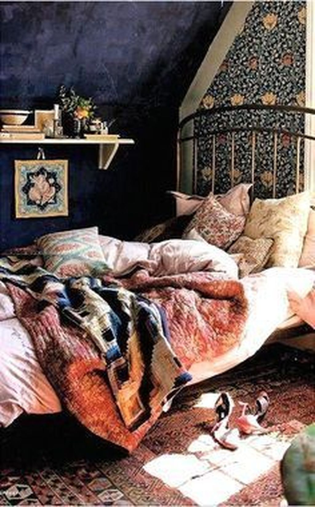 Lovely Attic Bedroom Ideas With Bohemian Style 31