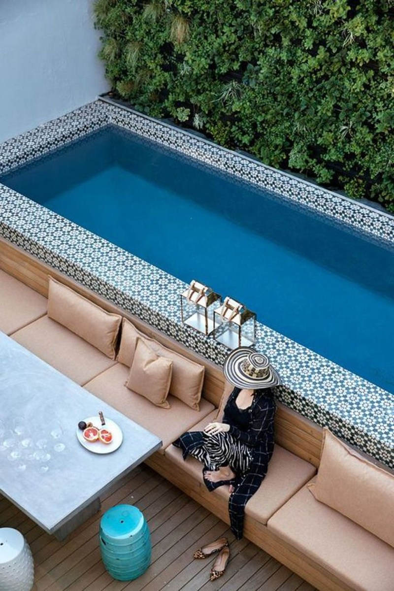 Totally Difference Pool Seating Ideas To Beautify Your Backyard 07