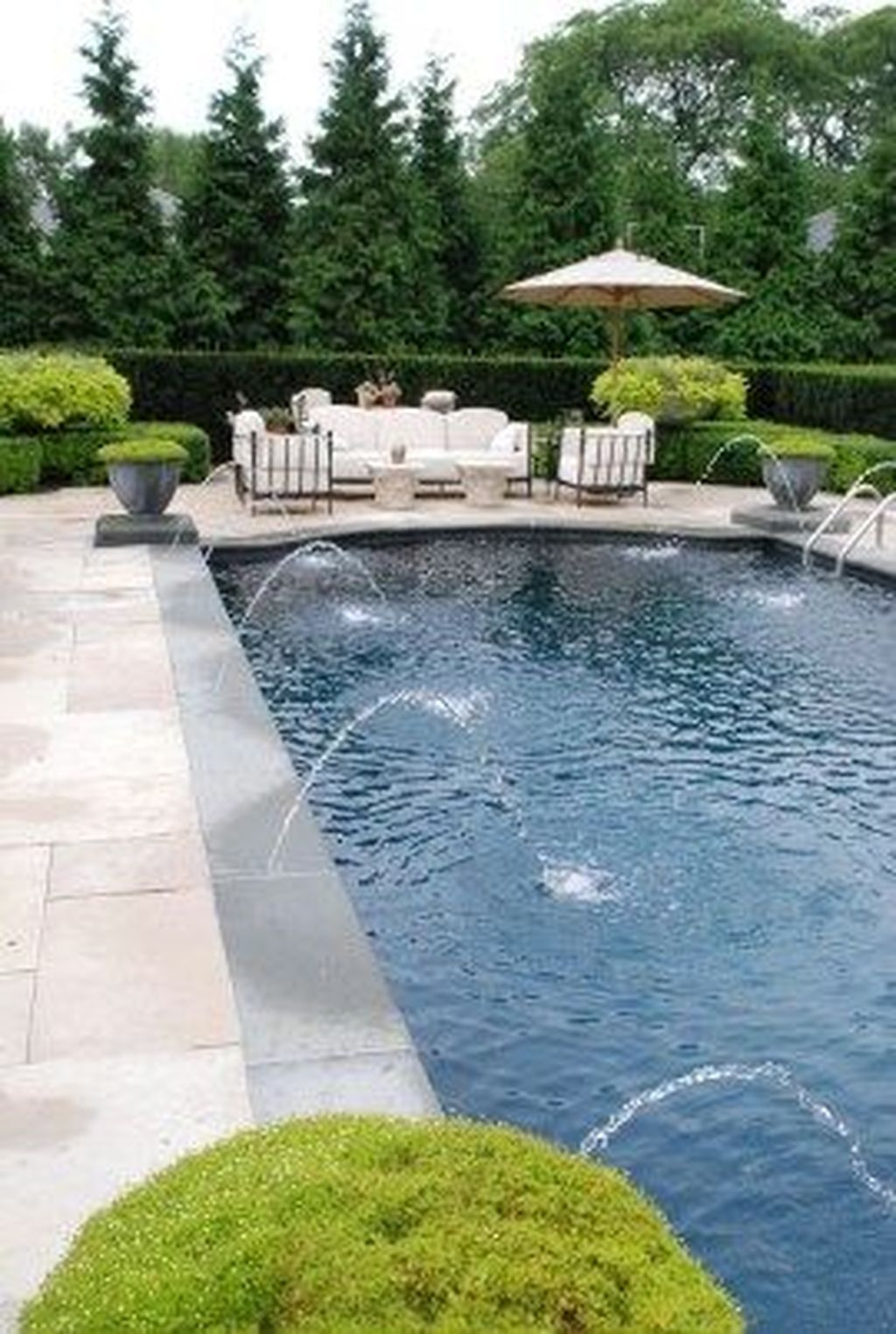 Totally Difference Pool Seating Ideas To Beautify Your Backyard 16