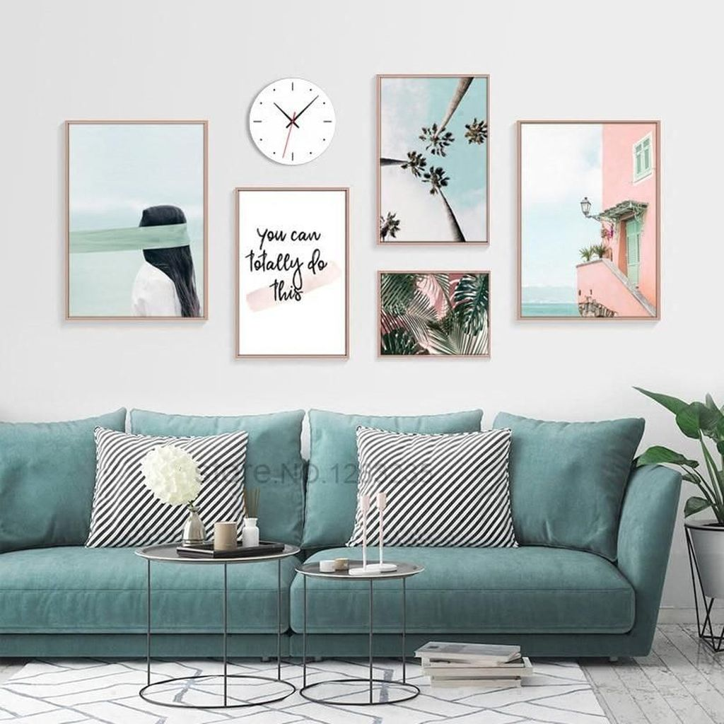 Amazing Living Room Wall Decor Ideas That You Should Copy 01