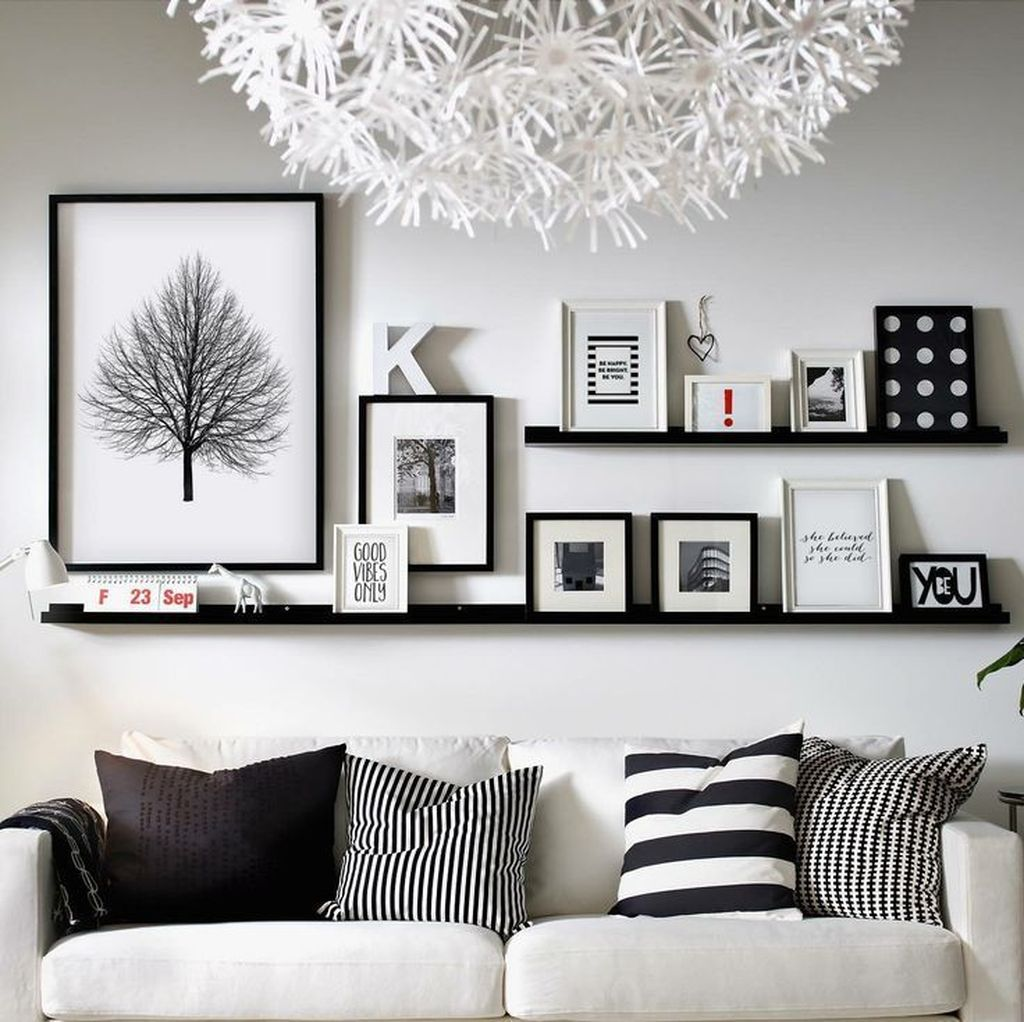 Amazing Living Room Wall Decor Ideas That You Should Copy 06