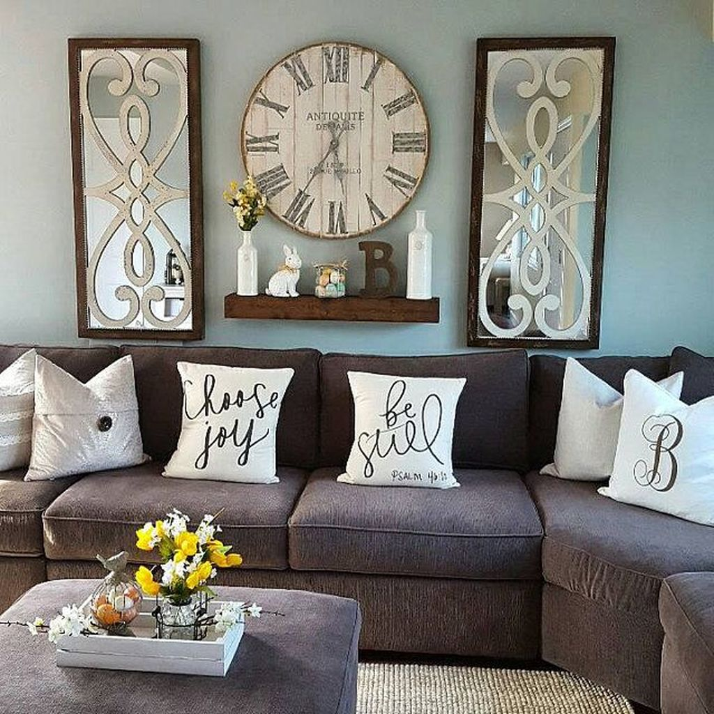 Amazing Living Room Wall Decor Ideas That You Should Copy 15