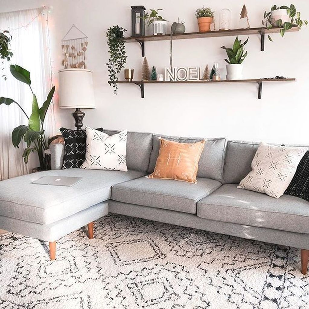 Amazing Living Room Wall Decor Ideas That You Should Copy 26