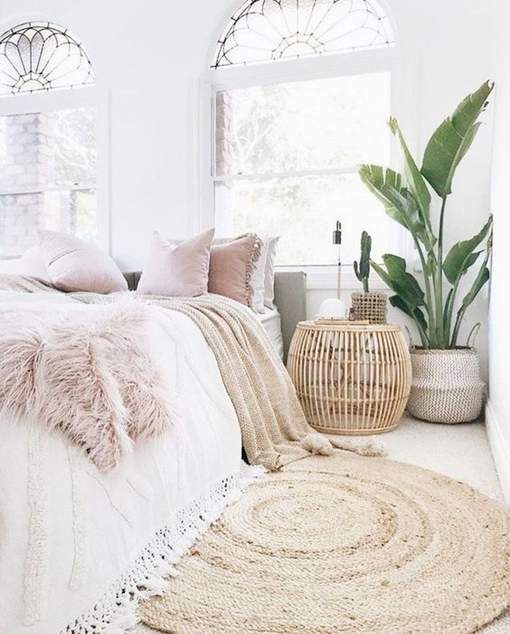 Fabulous White Bedroom Ideas To Make Your Sleep Comfortable 12