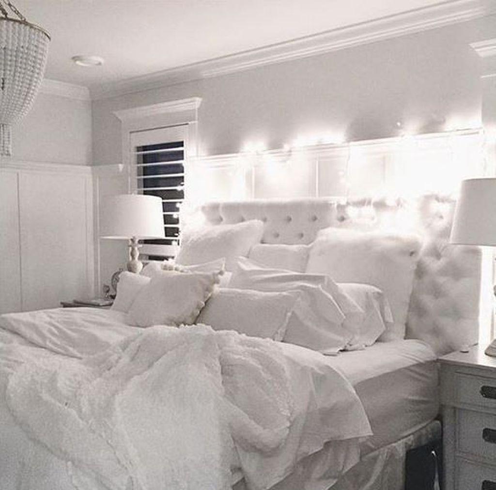 Fabulous White Bedroom Ideas To Make Your Sleep Comfortable 18