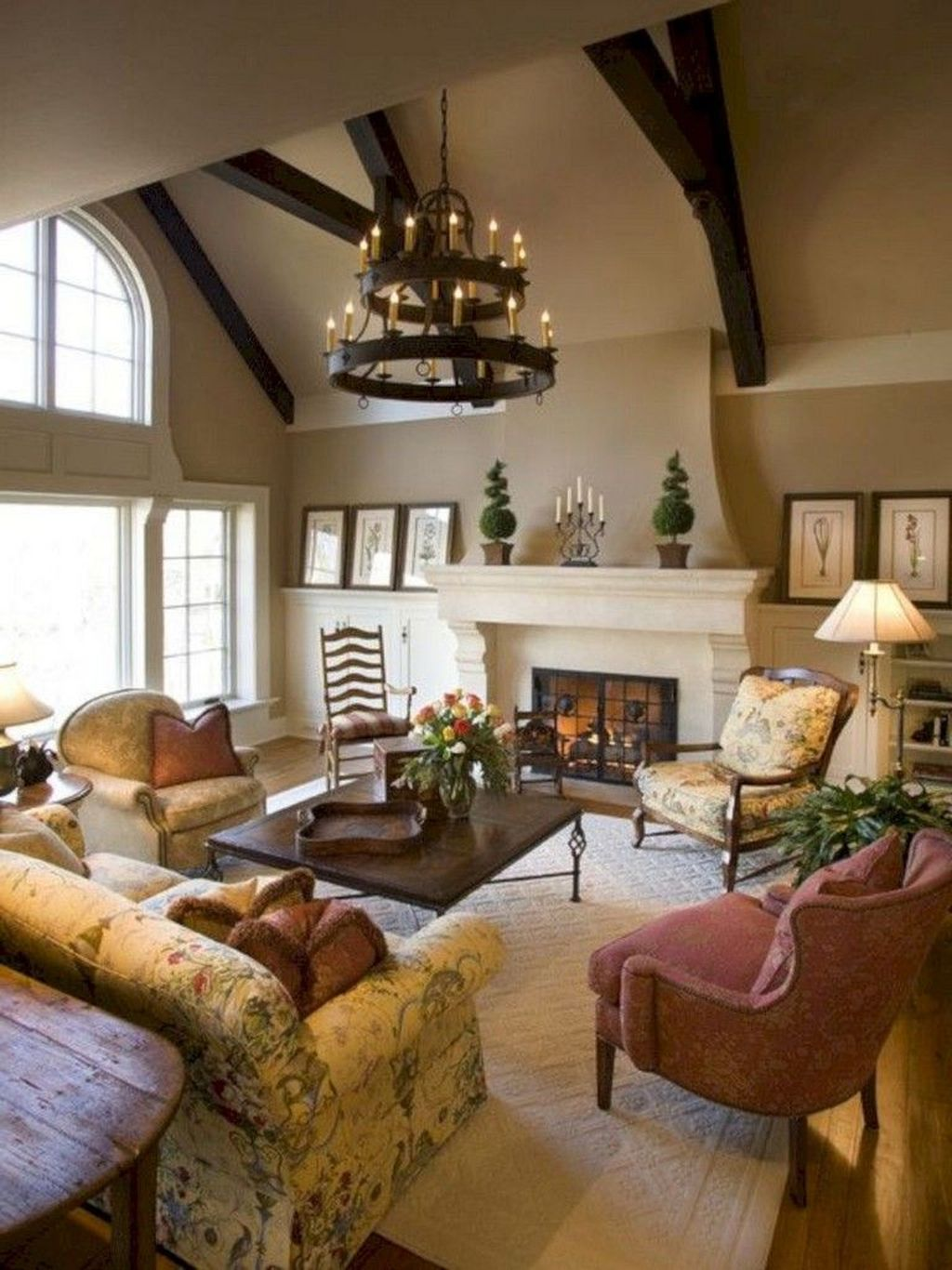 Fascinating Traditional Living Room Decor Ideas You Will Love 22