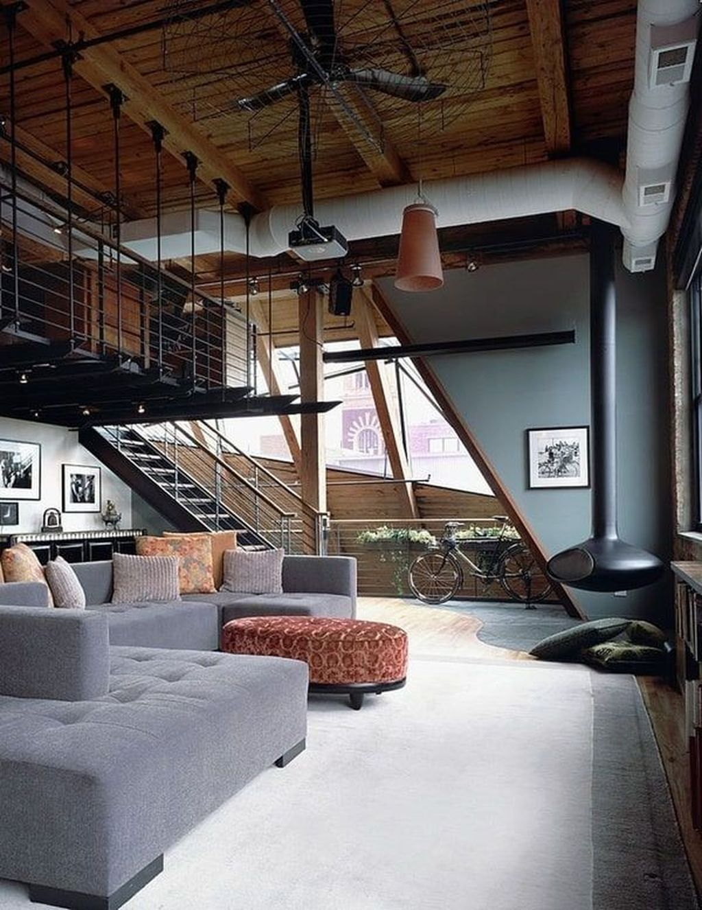 Gorgeous Industrial Living Room Design And Decoration Ideas 02