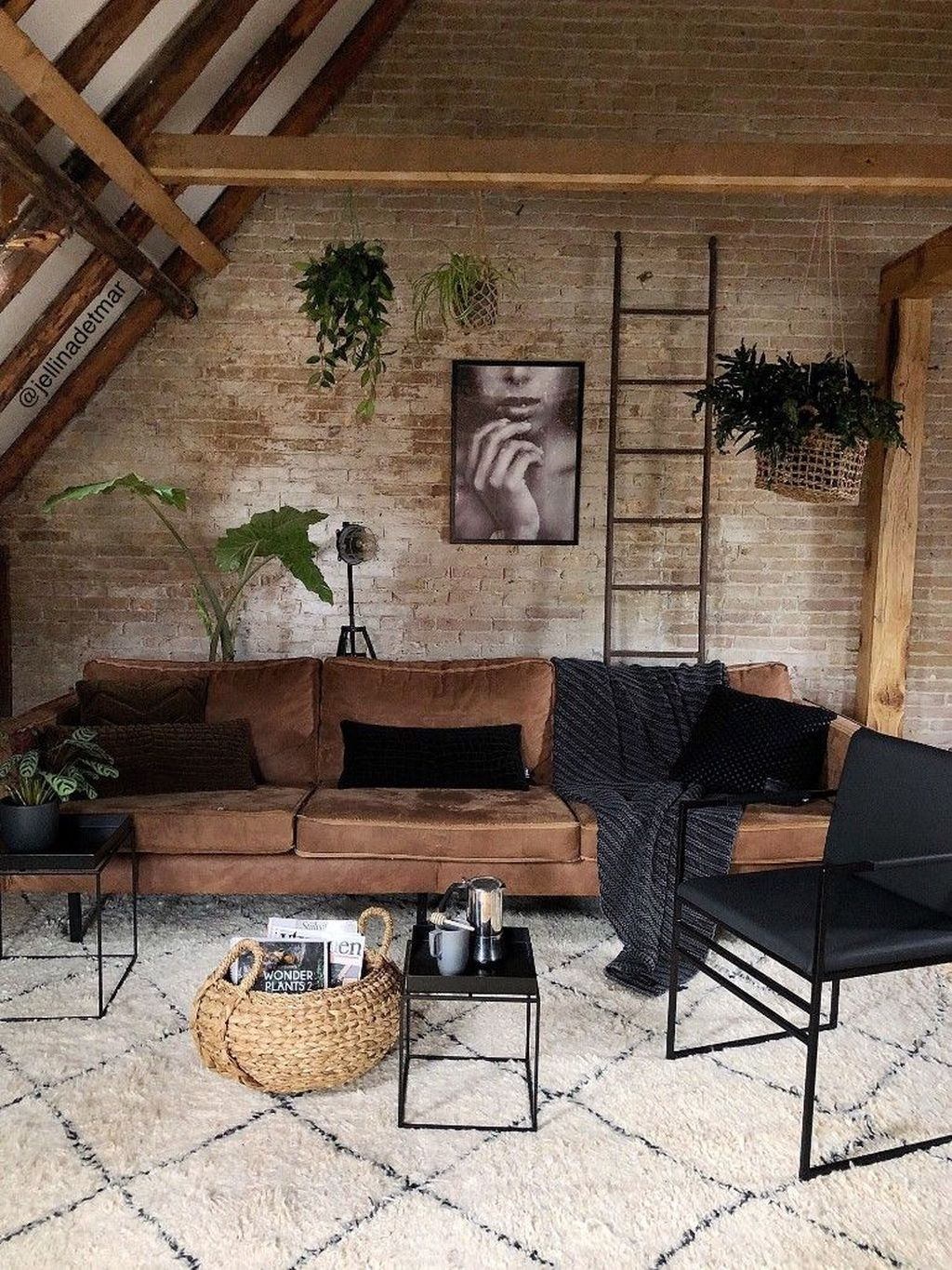 Gorgeous Industrial Living Room Design And Decoration Ideas 08