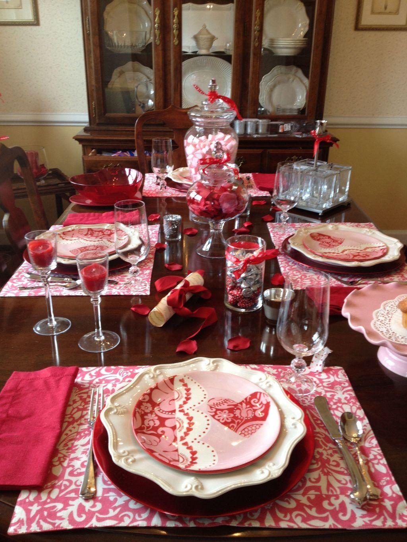 Inspiring Romantic Dining Table Decor Ideas 25